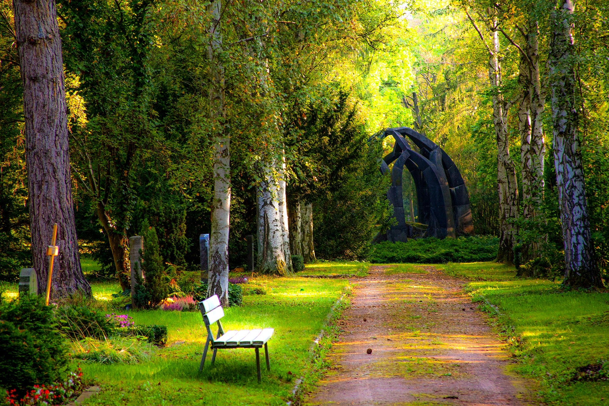 verdant-cemetery-used-for-green-funeral